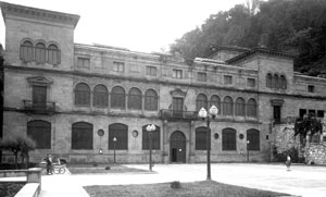 Old photo of the Museum facade